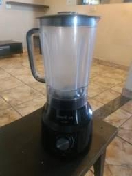 Liquidificador Britânia 1000w usado