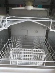 Vendo máquina de lavar louça marca Consul