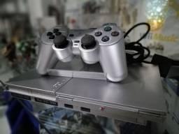 Playstation 2 semi novo com jogos de brinde