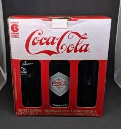 #RELIQUIAS <br>Caixinha de coca-cola com as garrafas comemorativas antigas na caixa original