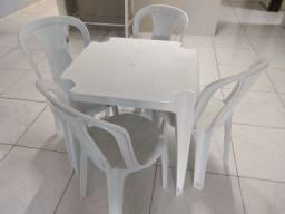 Kit com 10 Mesas e 40 Cadeiras