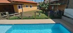 Alugo Casa com Piscina e area Verde
