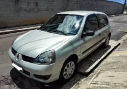 Renault clio, vendo avista ou com entrada mais parcelas a negociar
