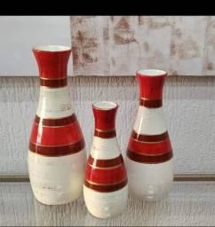 Trio de garrafas grandes