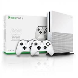 Vendo Xbox one s 1tb dois controles