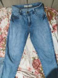 vendo 2 calças Jeans claras