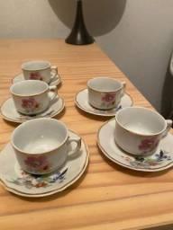 Jogo de xícaras para café de porcelana