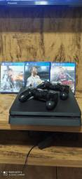 Play Station 4 (PS4)