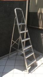 Escada de aluminio 6 degraus