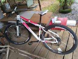 Bicicleta aro 29 pouco usada