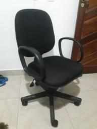Cadeira giratoria de escritorio
