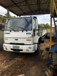 Ford cargo 1621 ano 2001