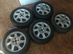 Rodas 15 do Siena com pneus meia vida, somente venda, Windsor mota *.