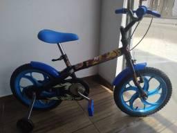 Bicicleta infantil aro 16 da Hot Wheels