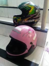"""2"""" capacetes no precinho"""