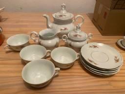 Jogo de chá de porcelana em excelente estado