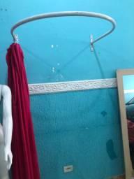 Provador com a cortina