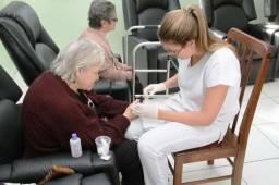 Manicure pedicure para idosos