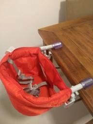 Cadeira alimentação bebê portátil.