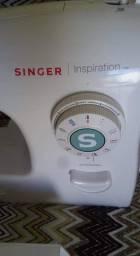 Vendo máquina de costura super nova .