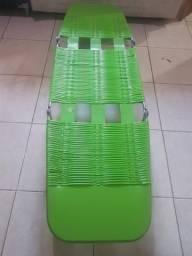 Espreguiçadeira de inox verde nova