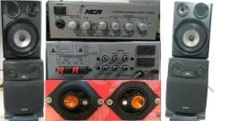 Amplificador com 04 caixas de som e 2 Alto falantes de 4 polegadas