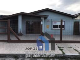 Excelente casa mobiliada com piscina em localização nobre em Tramandaí