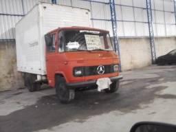 Caminhão 3/4 baú, - MB 608d diesel ano 75