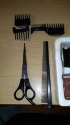 Maquina de cortar cabelo Oster completa