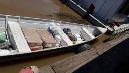 Vendo esse bote com o motor 15 YAMAHA - 2019