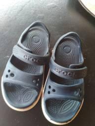 Vendo Sandália Crocs tamanho C8