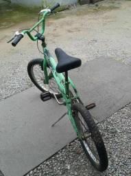 bicicleta infantil em otimo estado
