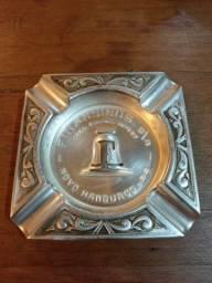 Cinzeiro Antigo Finansinos Alumínio