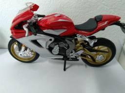 Miniatura moto MV Augusta série ouro 1:18