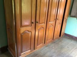 Vende-se Guarda-Roupas 5 portas de Mógno,Madeira Pura,Super Conservado