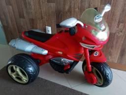 Triciclo Elétrico - 12V - Super Moto GT II - Turbo Bandeirante - Vermelho Ferrari