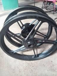 Vendo um jogo de rodas de moto da 150