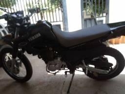 Vendo ou troco XT 600 2002
