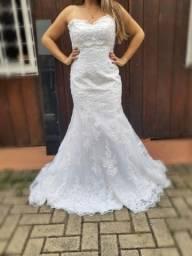 Título do anúncio: Vestido de noiva (impecável)