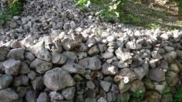 Pedras todo tamanho