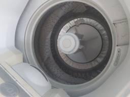 Máquina de lavar roupa faz tudo