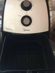 Fritadeira elétrica Air Fryer 4,3 litros