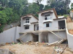 Casa com 3 dormitórios à venda, 150 m² por R$ 590.850,00 - Flamengo - Maricá/RJ