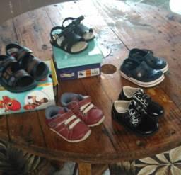 Lote de calçados  infantil Baby menino ñ 18e 19 todos semi novos