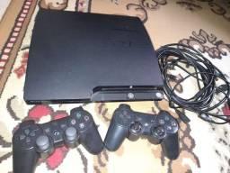 Playstation  3 com 2 controles.