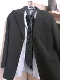 Vendo terno impecável! Vai com a camisa da marca Tevah e a gravata de brindes.