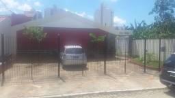 Alugo casa em Vila fácil acesso próximo a Universidade Cândido Mendes e Universo