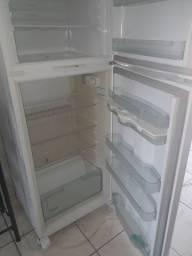 Vende duas geladeiras super conservadas consul 473 lt brastemp frost free