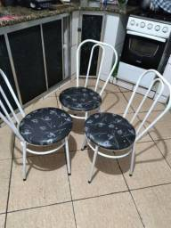 Vendo mesa de marmore  com 4cadeiras