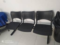 2 Cadeiras Longarinas com 3 lugares cada
